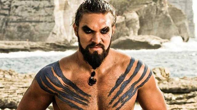 jason momoa como khal drogo en game of thrones