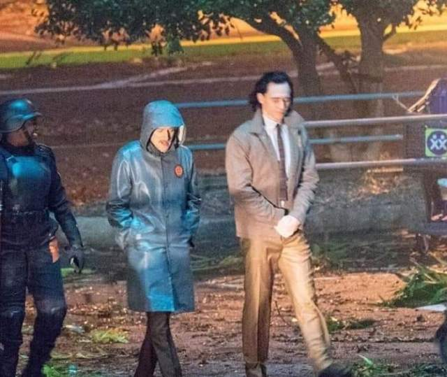 Fotografía de Tom Hiddleston y Owen Wilson en el set de Loki