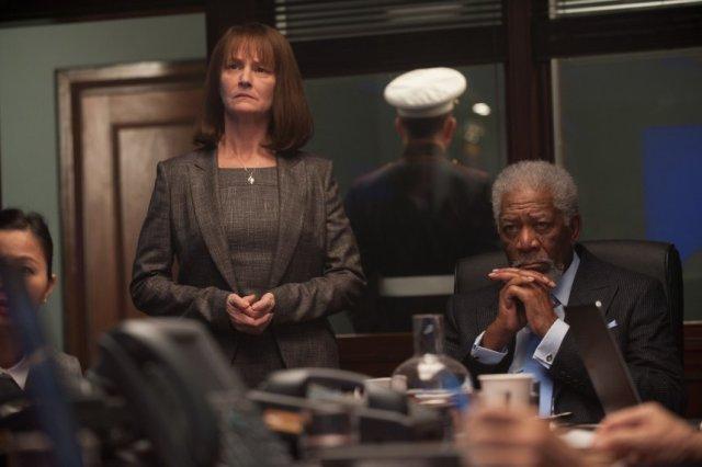 Morgan Freeman London has Fallen - Cod Rosu la Londra