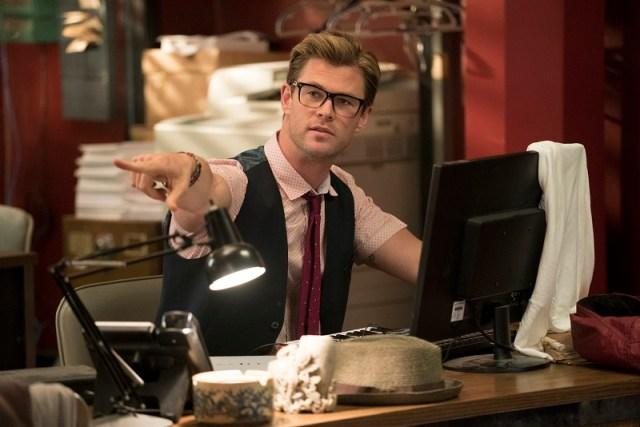 Chris Hemsworth joaca rolul secretarului celor 3 vanatoare.