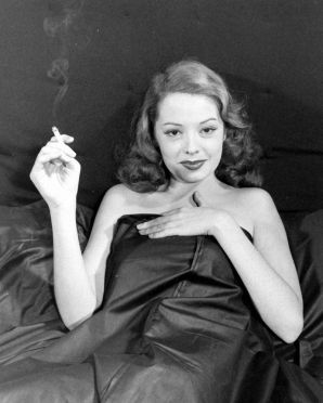 Jane Greer in Out of the Past 1947 (18)