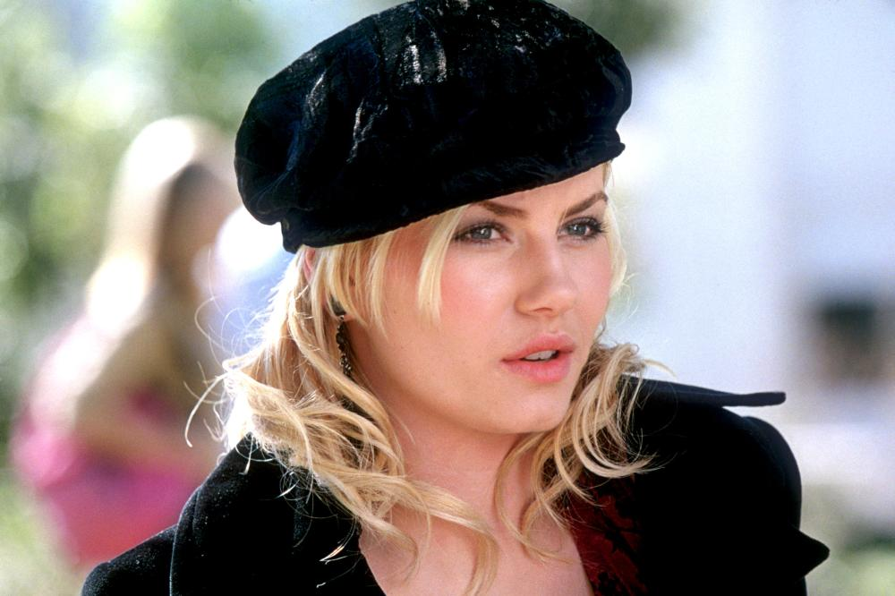 Elisha Cuthbert My Sassy Girl Wallpaper Cineplex Com The Girl Next Door