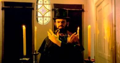 """Ritual dos Sádicos: a separação do """"eu real"""" e do """"eu fictício""""."""