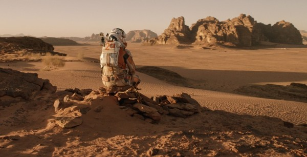 The-Martian-Matt-Damon-Hamilton-Watch-5-e1444254047850.jpg (600×306)