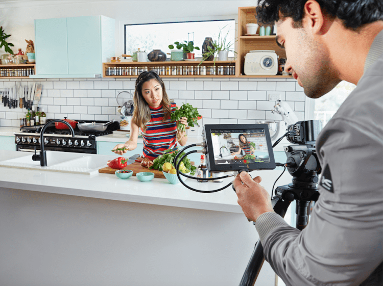 Blackmagic Video Assist 4K 1