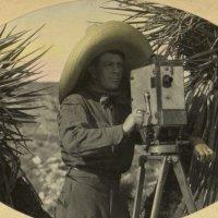 Otis A. Aultman filma a Villa para la Pathé News. La Calle de agosto 20, 2012