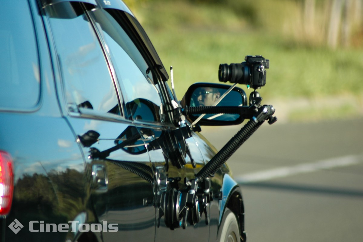 走行中の車内撮影用特機