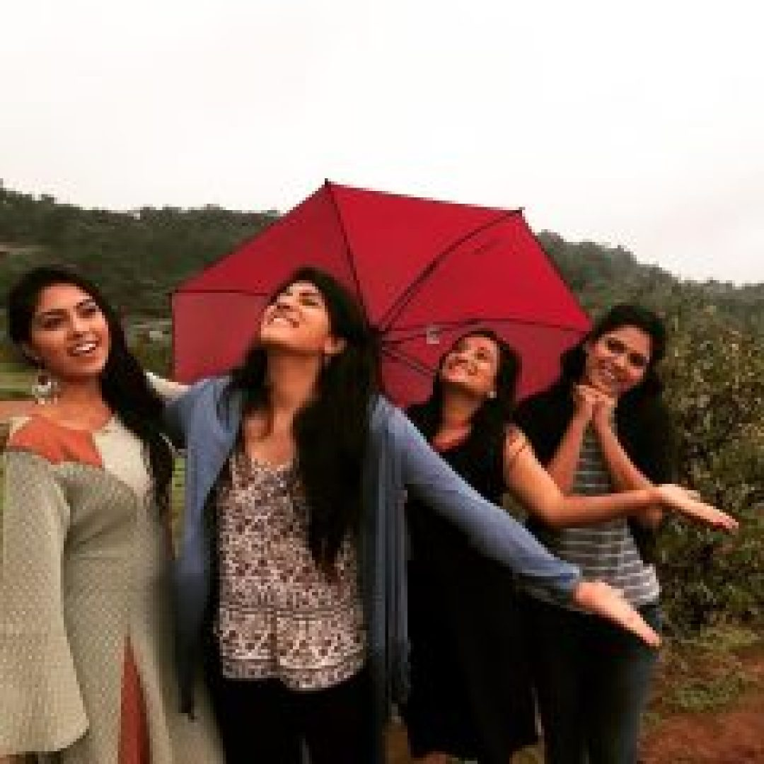 Dhanya Balakrishna with friends