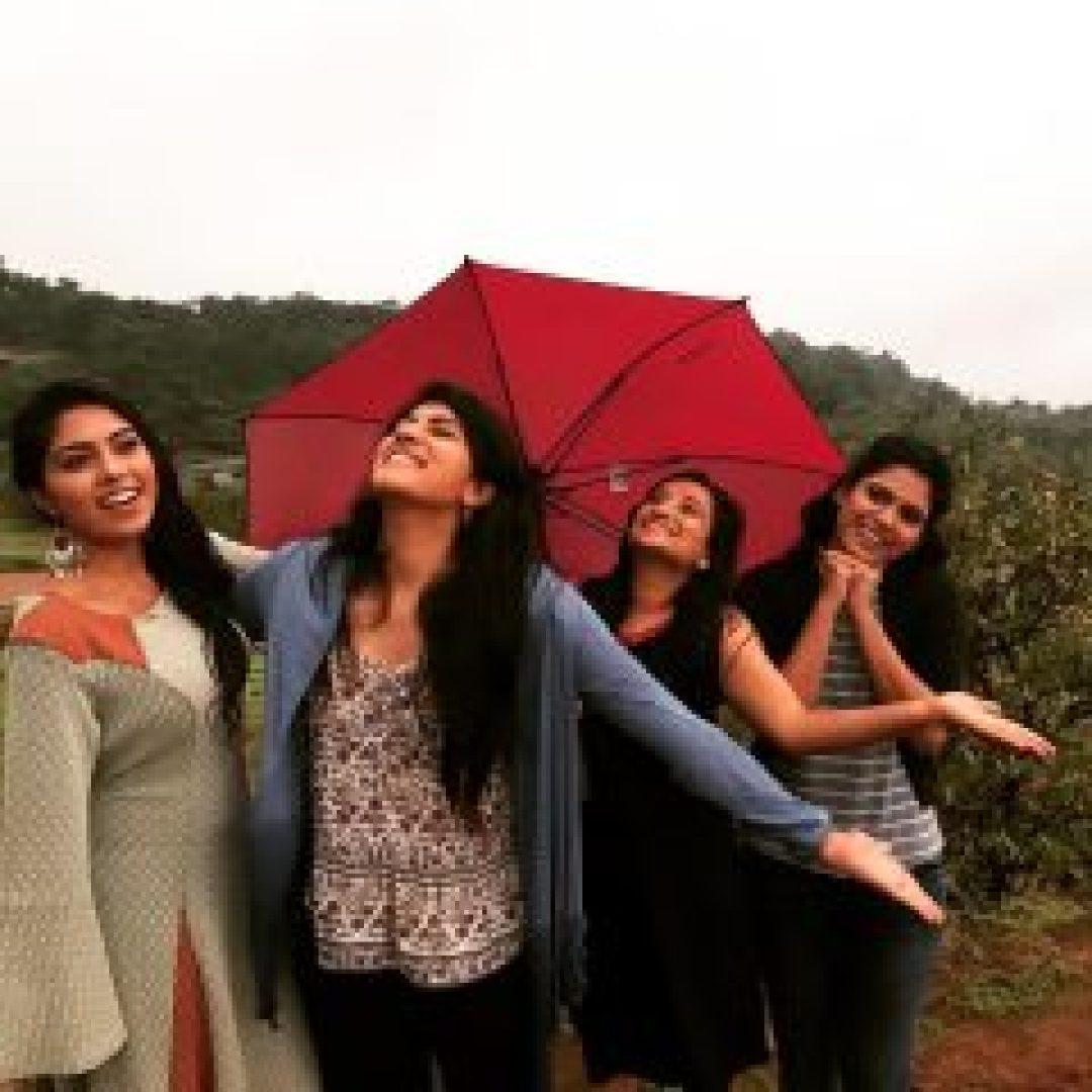 Dhanya Balakrishna with friends