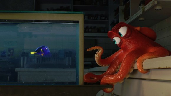 Finding-Dory-First-Look-Dory-Hank