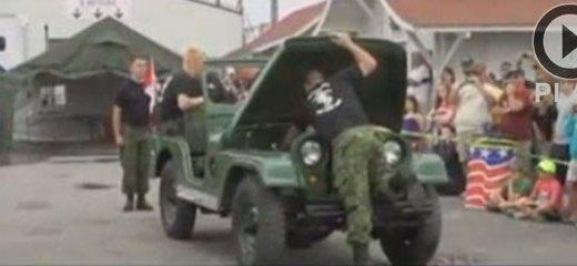 Militares arman y desarman un Jeep en 4 minutos