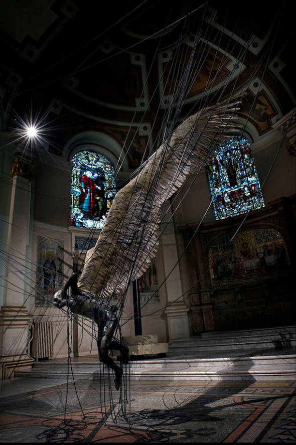 Estatua de lucifer gigante