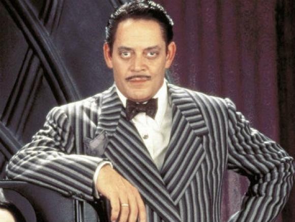 Raúl Julia era el papá Addams