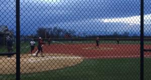 softball third straight loss