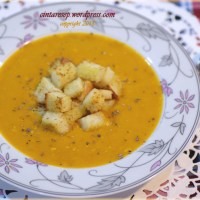 Pumpkin Soup with Oseng2 Bread ^^