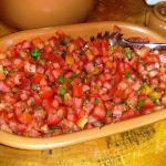 Receitas baianas: Salada de tomate com manjericao