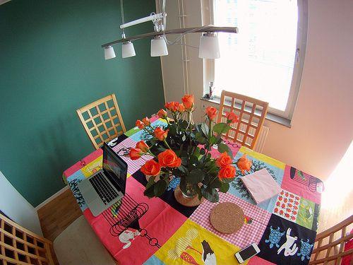 Sala de jantar colorida da MaWá e do Weno.