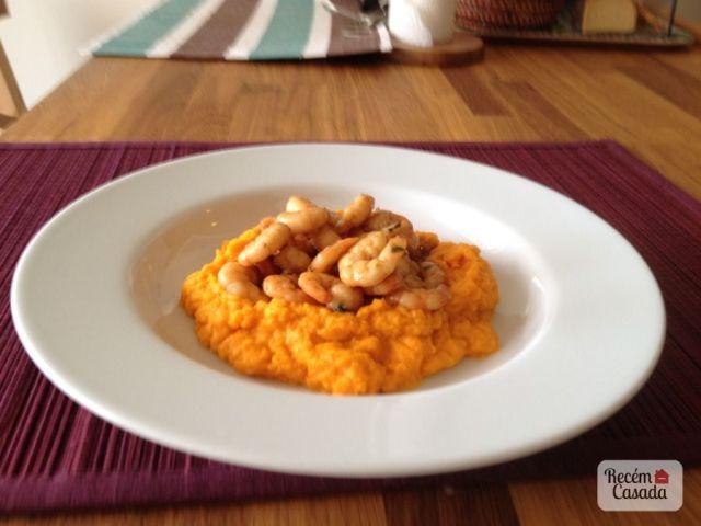 Receita de purê de batatas com camarões. Foto: blog Recém-Casada.