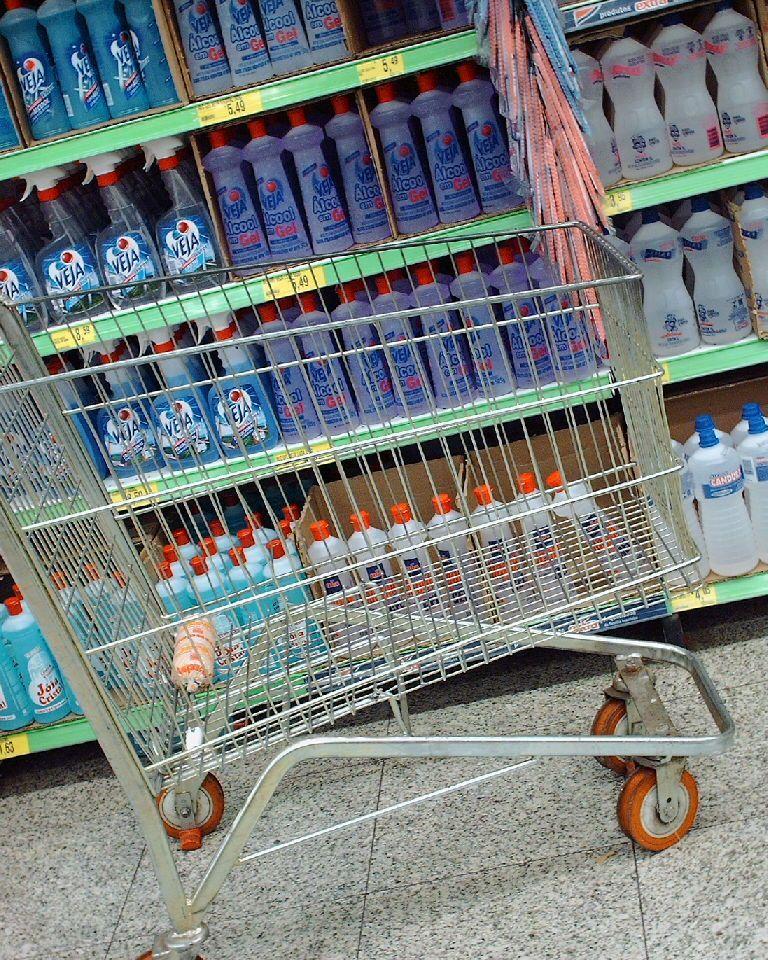 Lista de compras de produtos de limpeza