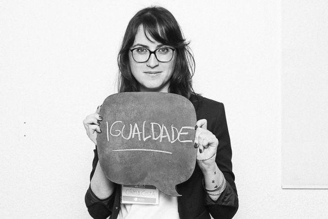 Cíntia Costa pede igualdade. Foto: Gabi Butcher/FotoRecado.