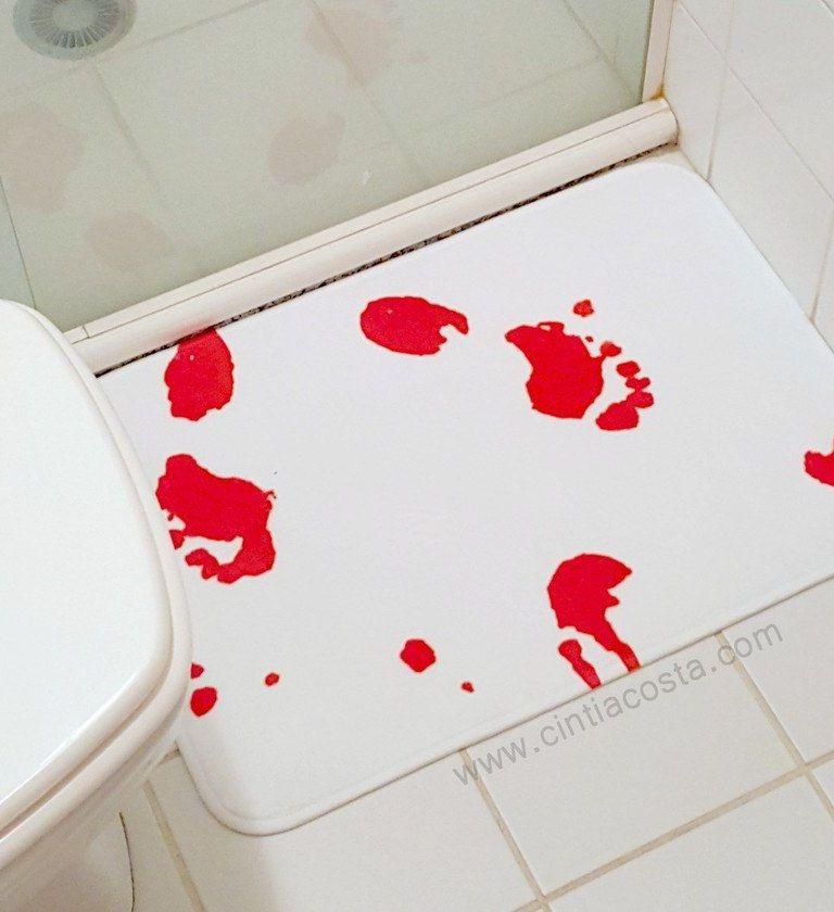 Decoração divertida: tapete de banheiro sangrento