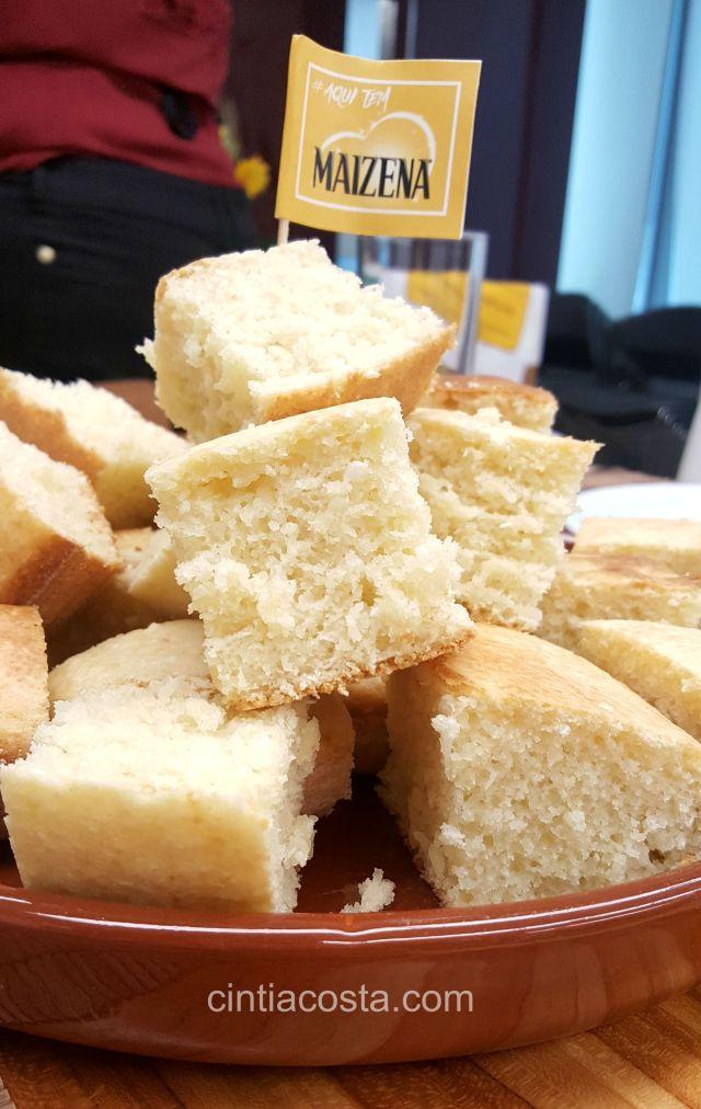 Receita de bolo fofinho de mandioca com coco. Foto: www.cintiacosta.com