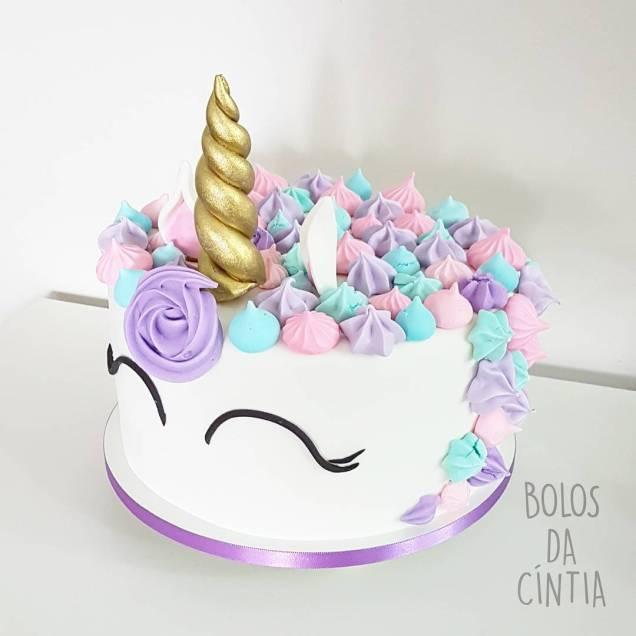 Bolo de unicórnio lindo feito por Bolos da Cíntia ( contato@bolosdacintia.com )