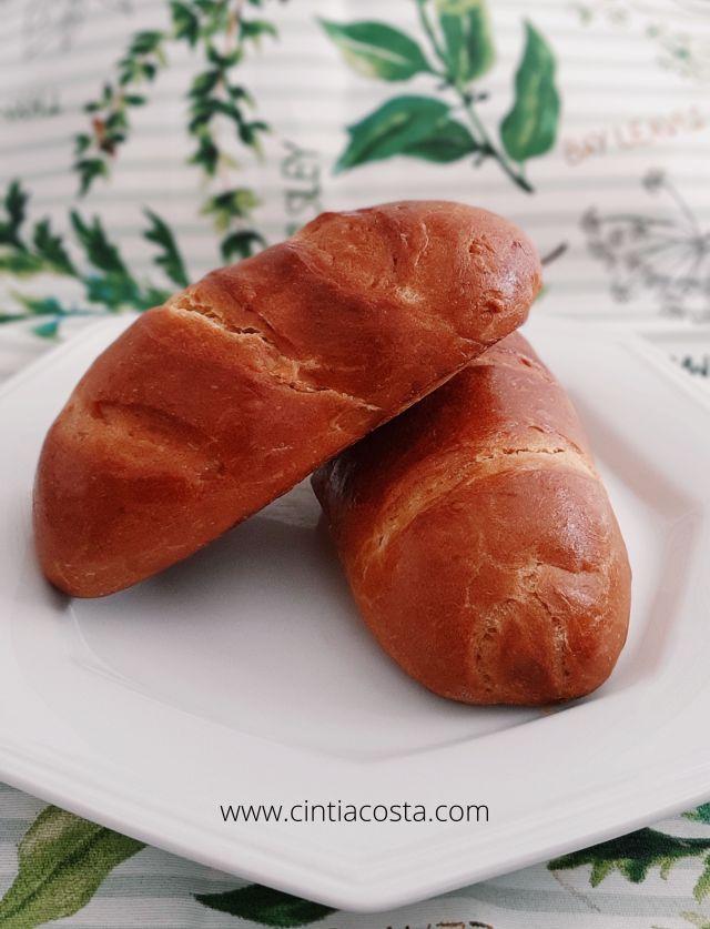 Receita de pão caseiro de liquidificador para pão recheado ou simples. Foto e receita: www.cintiacosta.com