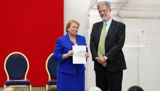 Presidenta Bachelet, recibe informe del Consejo Asesor Presidencial contra los Conflictos de Interés, Tráfico de Influencias y la Corrupción.
