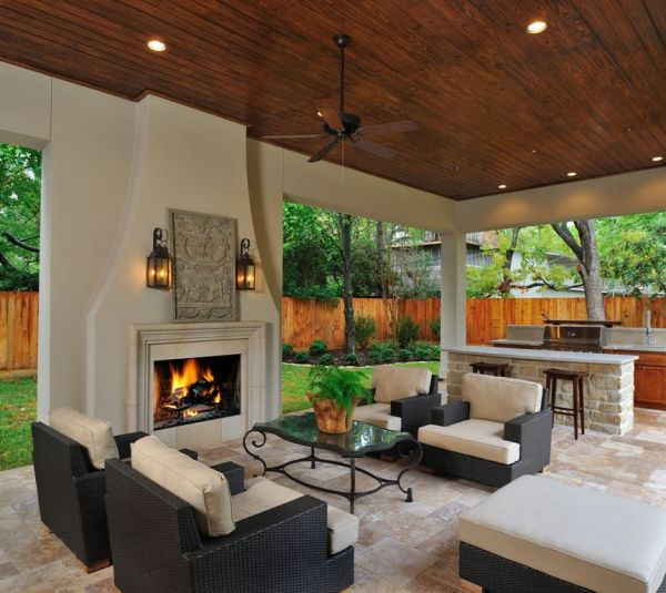 outdoor living space with fireplace How to Design Your Perfect Outdoor kitchen: Outdoor