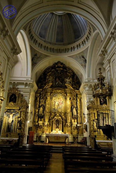 Interior de la Iglesia del Convento de San Ildefonso de Trinitarias descalzas de Madrid. foto: Jesús C. V.