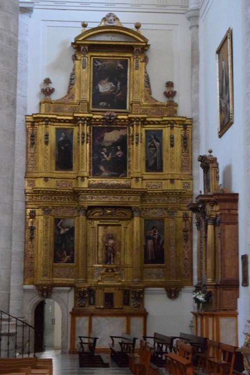 Retablo de la Virgen de la Paz (lado de la epístola)