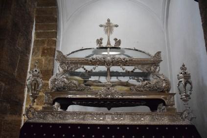 Urna de Cristo Yacente. Iglesia de Santa Cruz. Cádiz. Foto: Cipripedia.