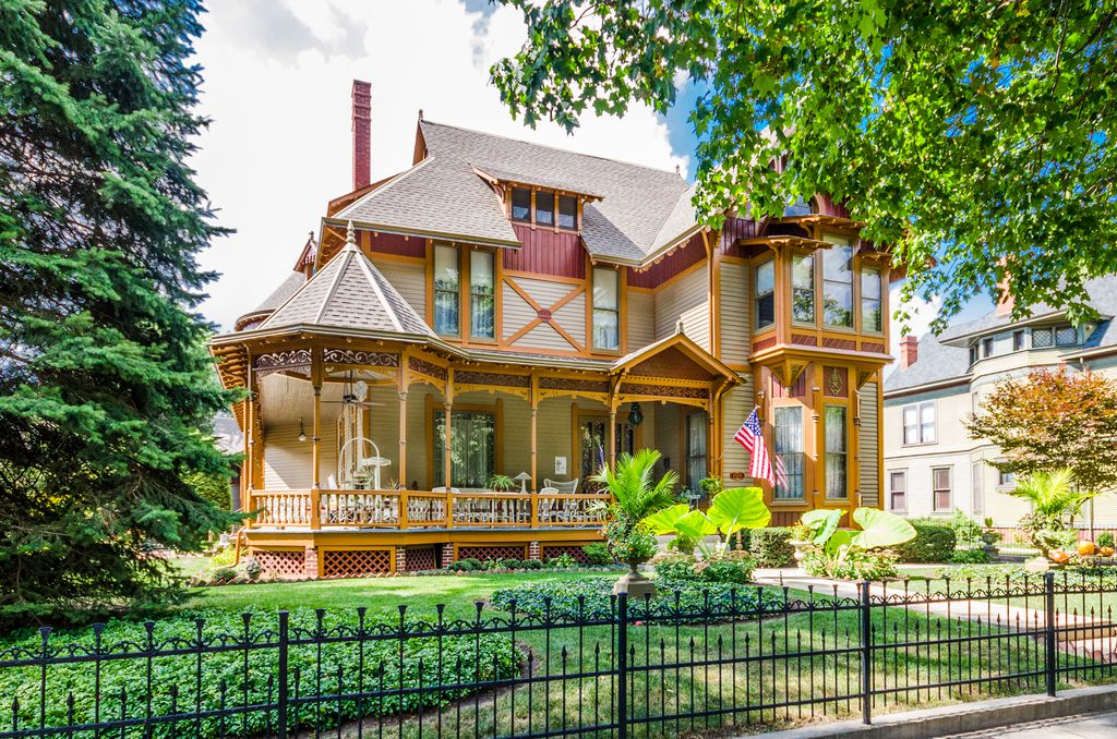 1876 Folk Victorian For Sale In Indianapolis Indiana Captivating