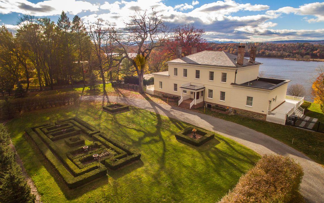 1803 Georgian Manor In Stuyvesant New York
