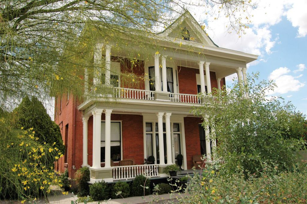 1890 Greek Revival In Safford Arizona