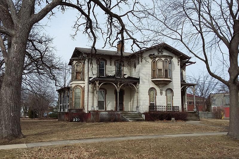 1870 Italianate For Free In Delavan Wisconsin