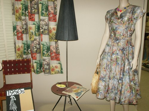 50s frock with lamp