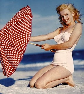 My Favourite Pin Up Marilyn Monroe Looking Smashing On The Beach