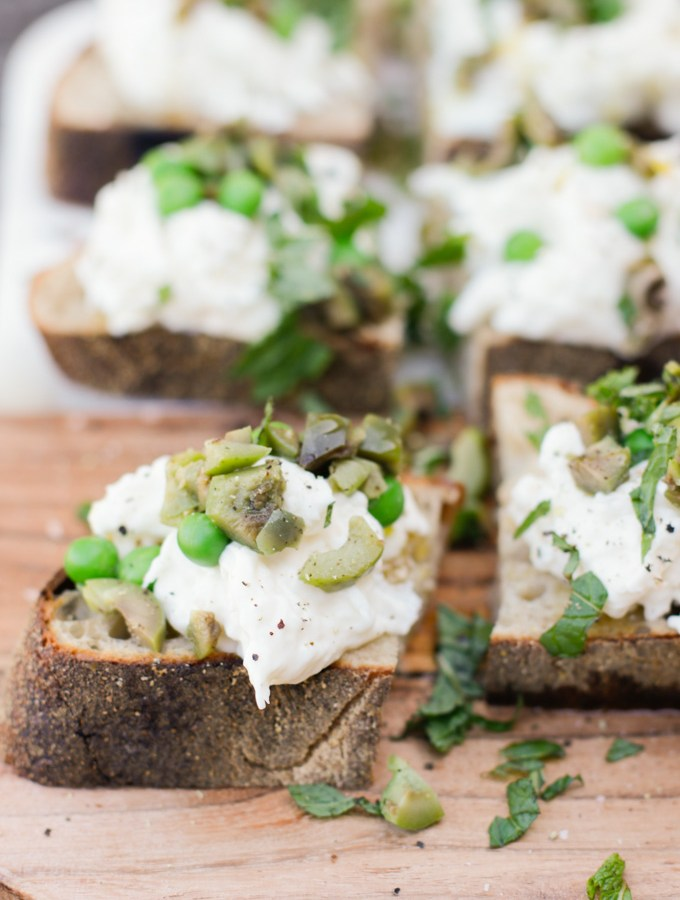 Burrata Crostini with English Peas and Mint