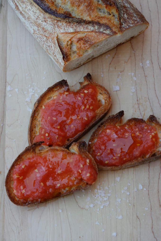 Spanish-Style Bread with Tomato (Pan Con Tomate)