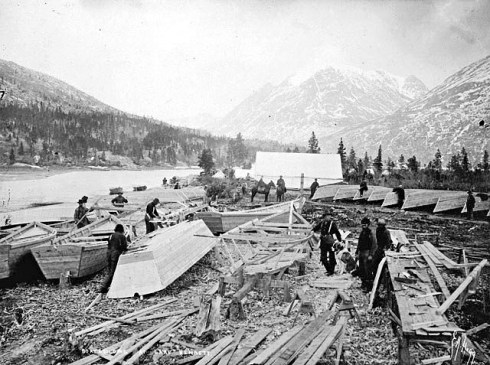 Lake_Bennett_boats