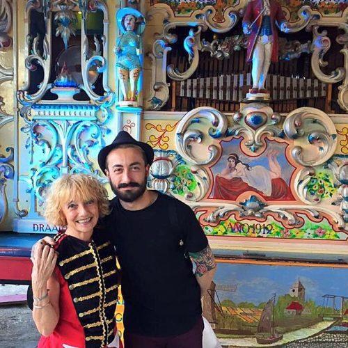 Bárbara Rastall con el concursante de Gran Hermano 16 Aritz en el Circo Raluy