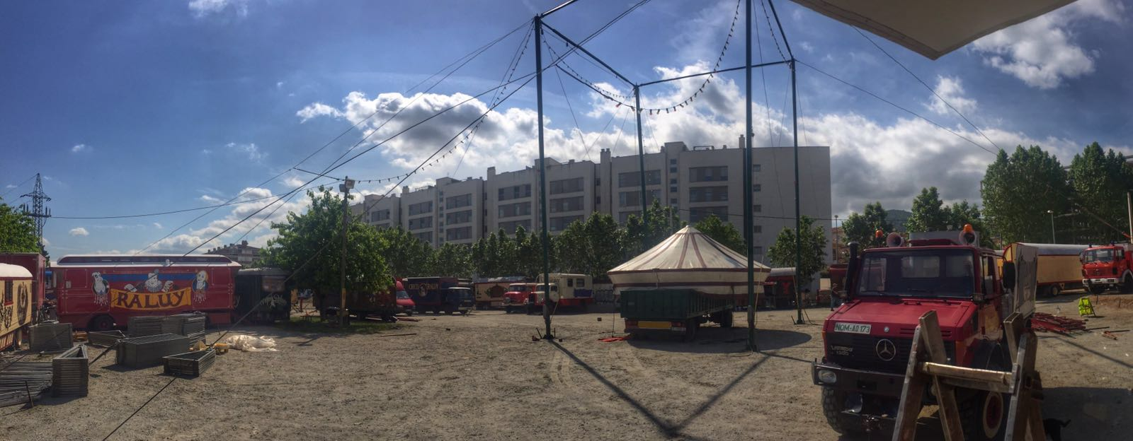El circo raluy se prepara en Montornès del Vallès