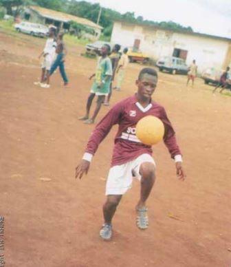 Iya Traoré. Niño en Guinea, África