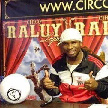 Iya Traore en el Circo Raluy foto