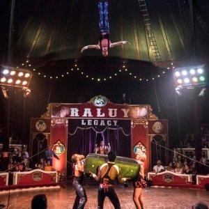Circo Raluy. Columpio ruso 500