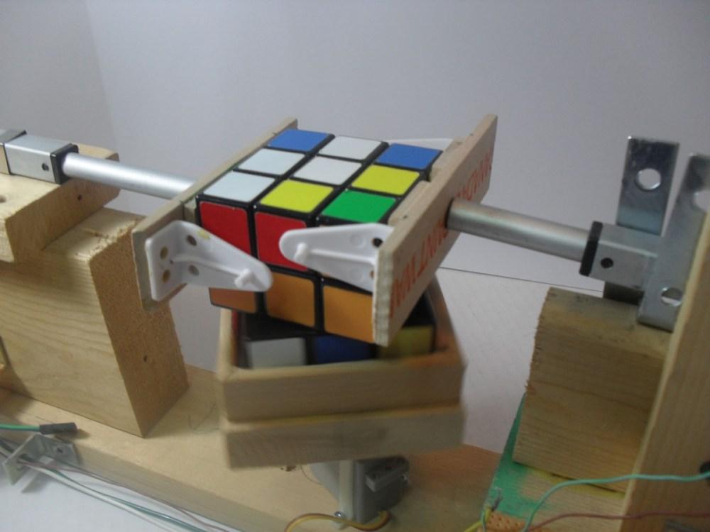 medium resolution of cube solver in action