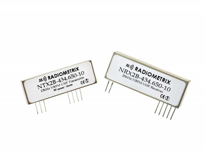 New Frequency-Programmable, Narrow-Band Transmitter