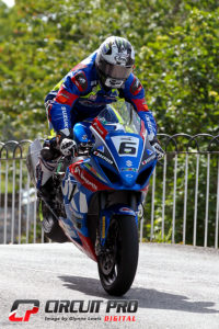 Michael Dunlop bounced back from the Superbike disappointment to take the Senior win